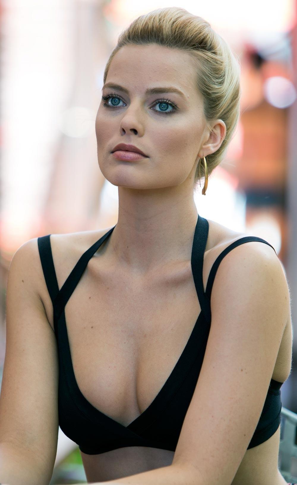 Margot Robbie Nude Photos 36