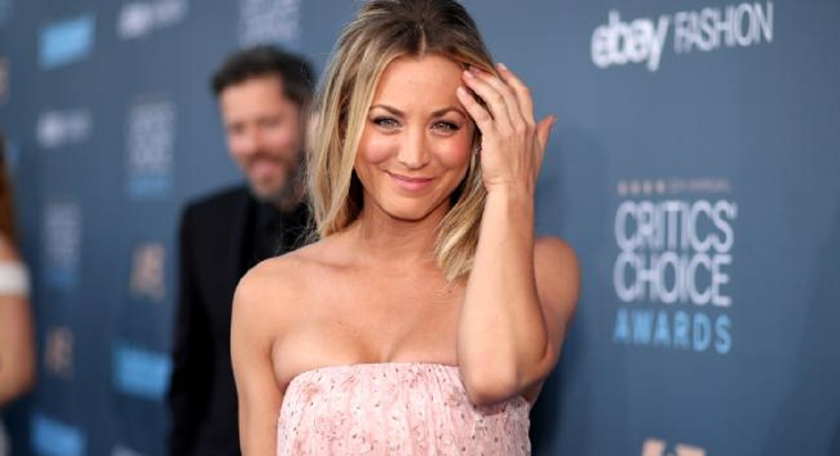 10 Awesome Pics of Kaley Cuoco at Critics Choice Awards 2016.