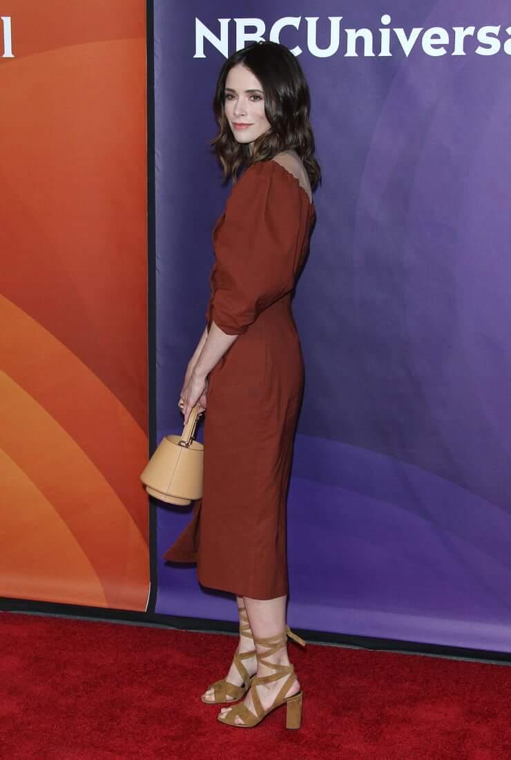Abigail Spencer booty hot