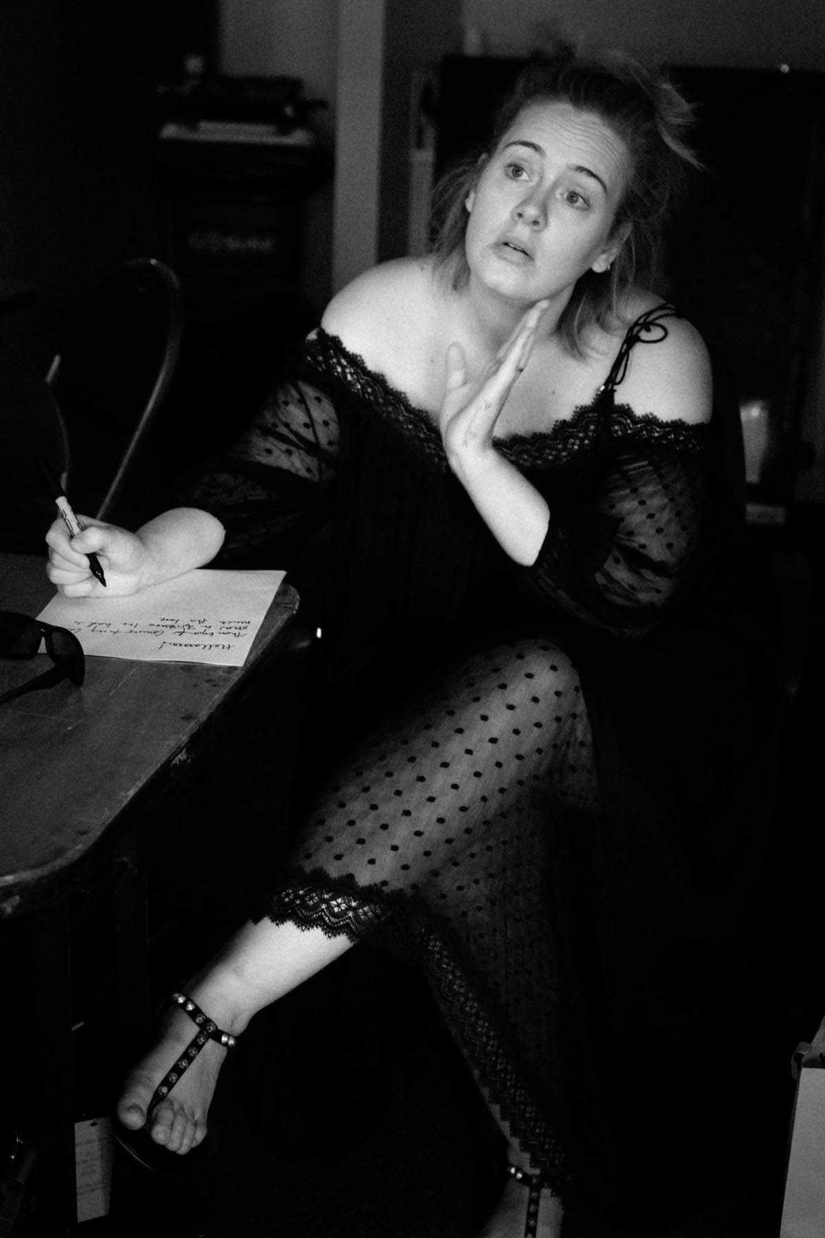 Adele-Feet-SEXY