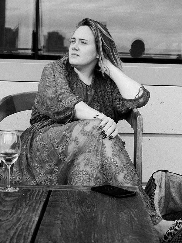 Adele-awesome-sexy-dress-1