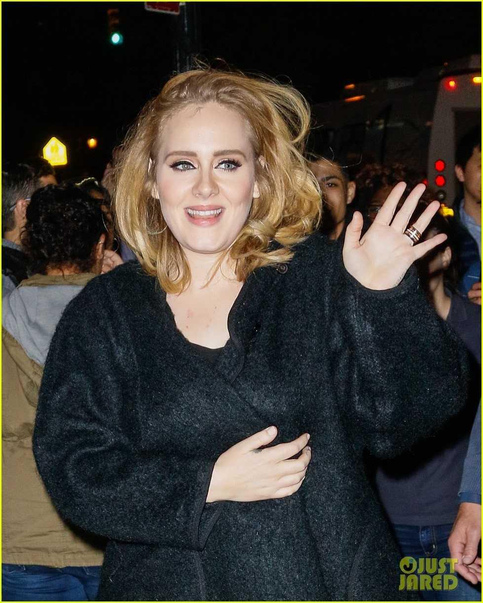 Adele-black-dress-awesome