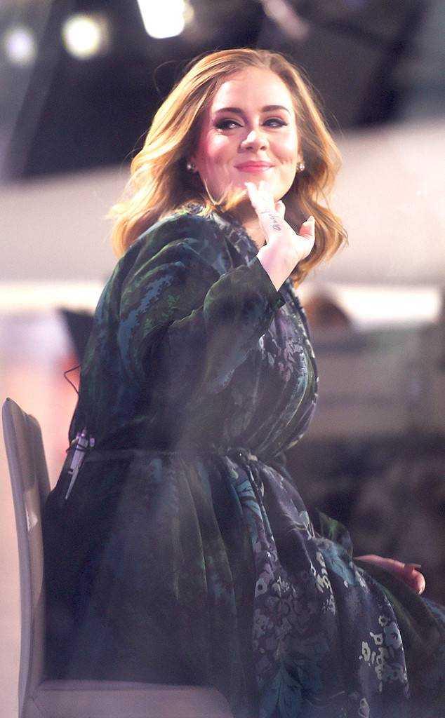 Adele-hot