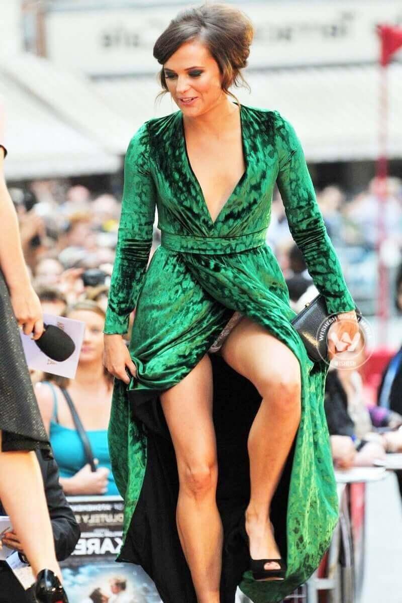 Alicia Vikander sexy legs