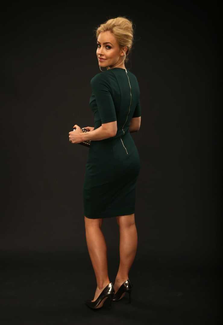 Amanda Schull sexy butt