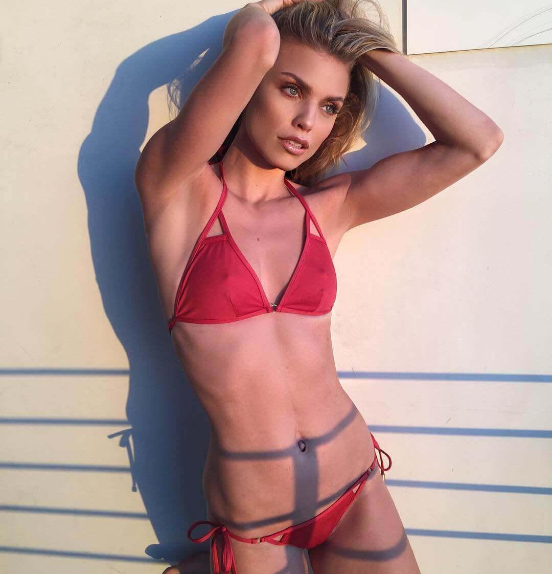 AnnaLynne McCord hot bikini pictures (2)