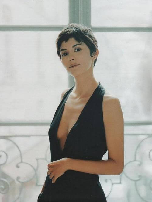 Audrey Tautou side boobs