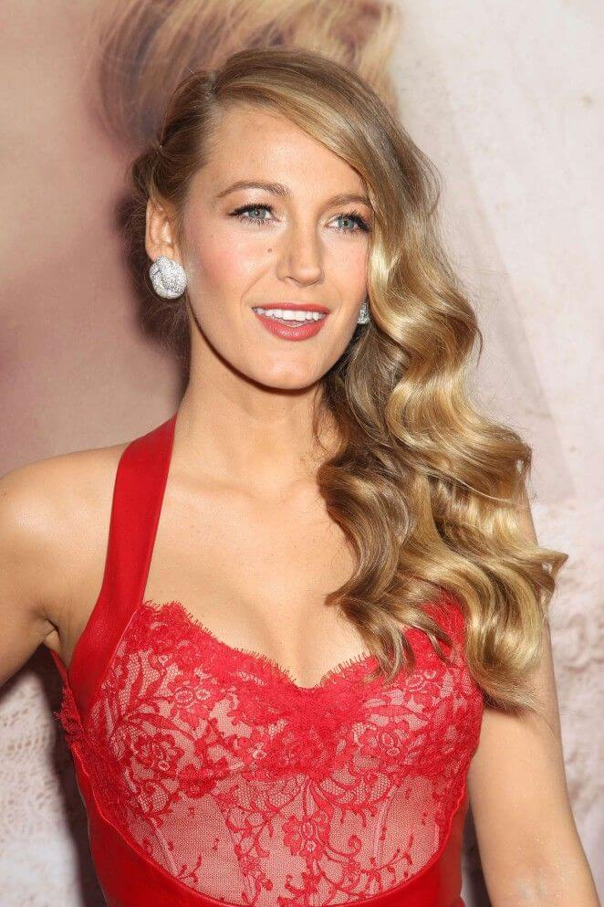 Blake Lively sexy busty pics