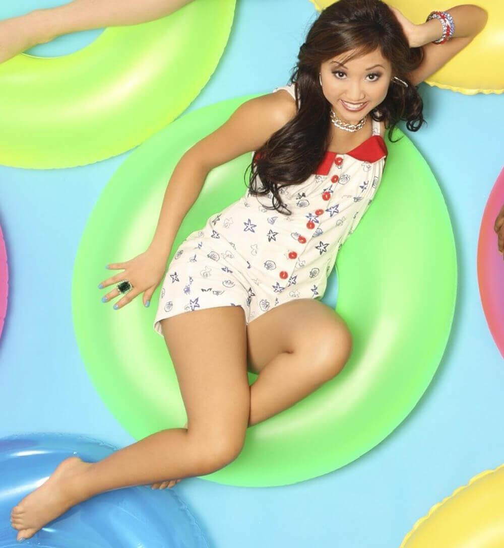 Brenda-Song-hot-feet-pic
