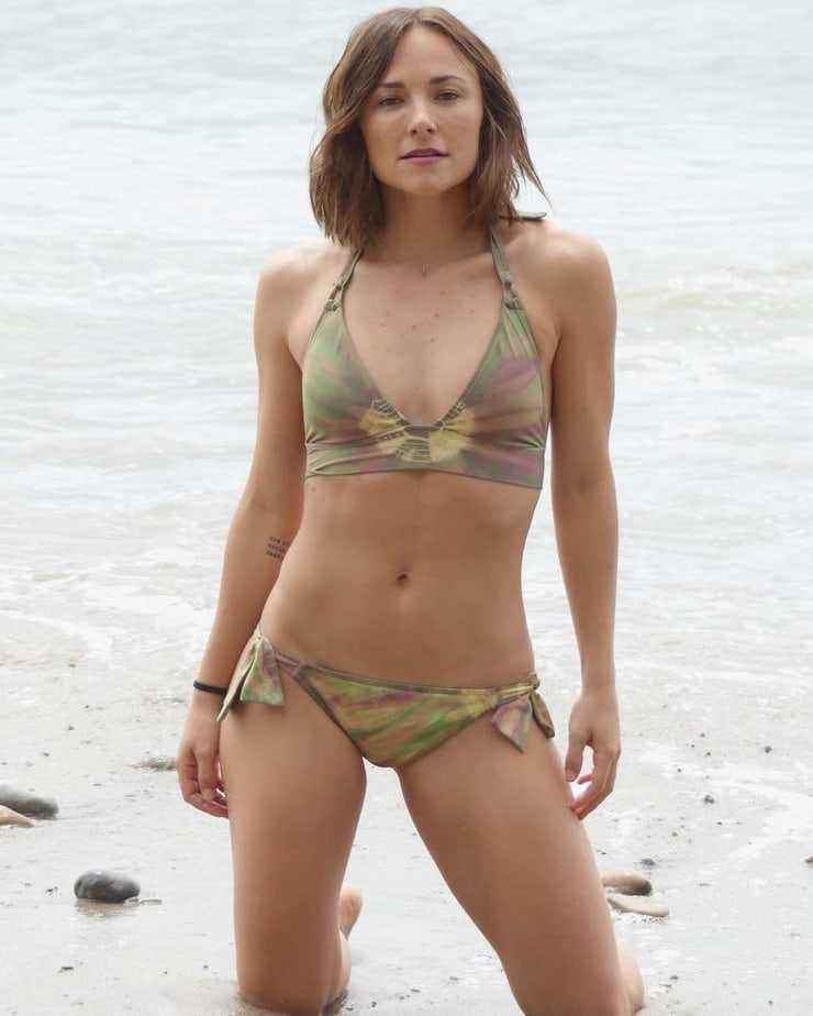 Briana Evigan sexy thighs hot