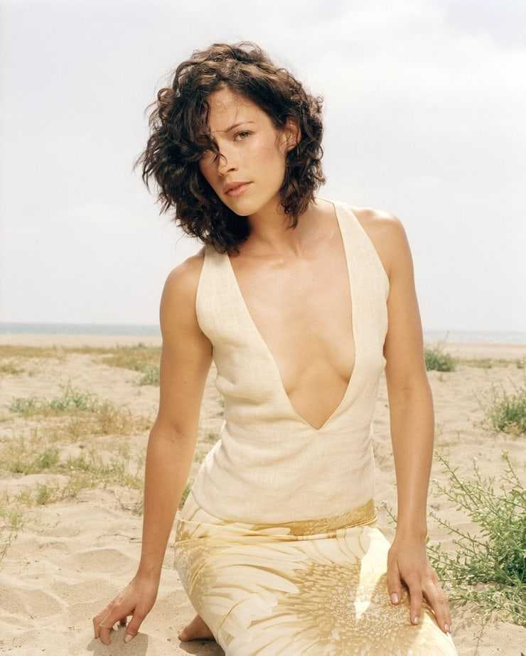 Brooke Langton cleavage pic