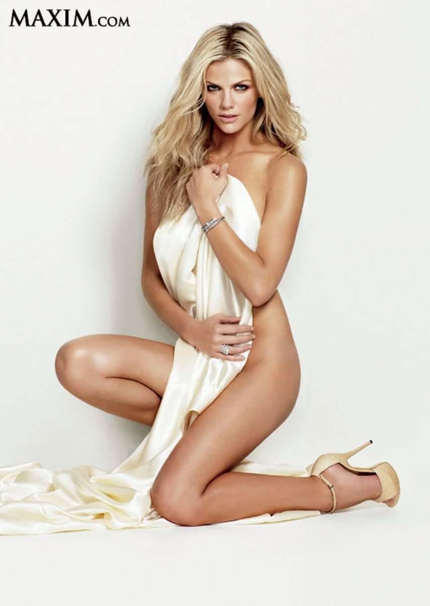 Brooklyn Decker sexy nude pics