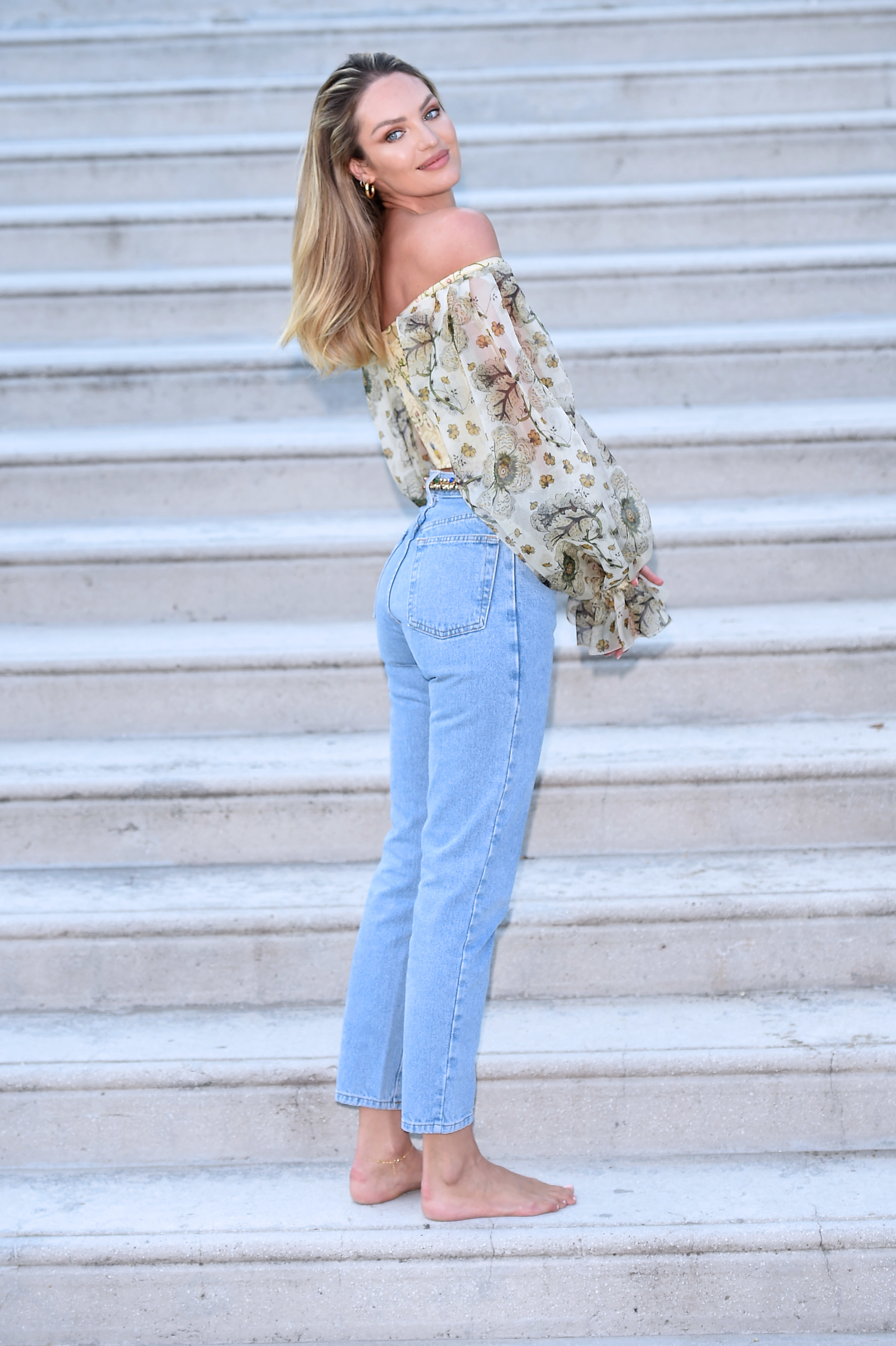 65 Sexy Candice Swanepoel Booty Pictures Are Truly Entrancing And Wonderful - GEEKS ON COFFEE