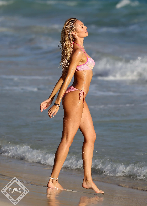 Candice Swanepoel hot bikini picture