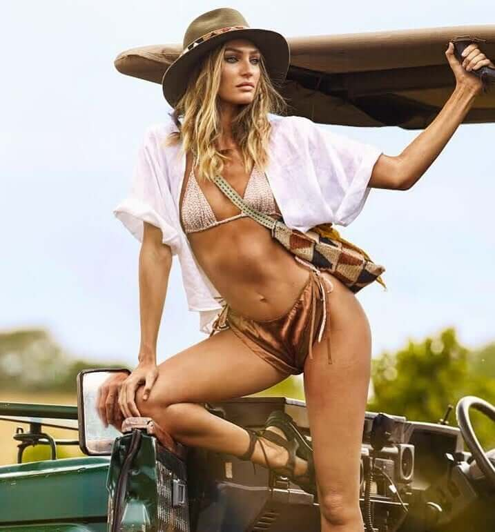 Candice Swanepoel hot cleavage pics