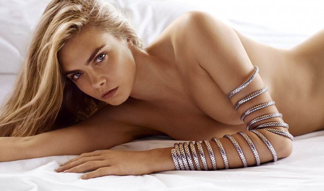 Cara Delevingne hot cleavage pics