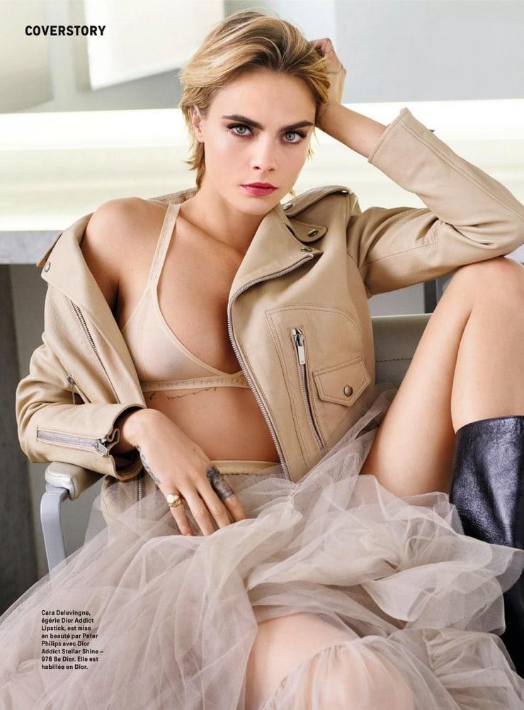 Cara Delevingne hot lingerie pics