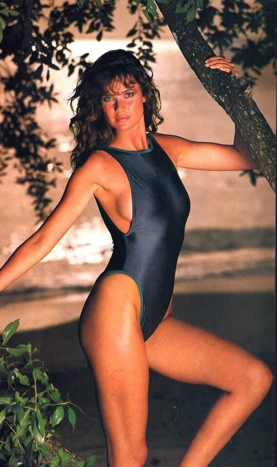 Carol Alt sexy