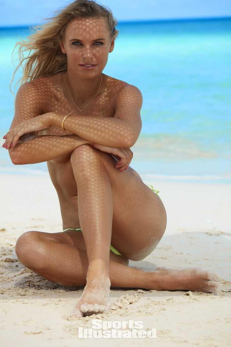 Caroline Wozniacki near nude