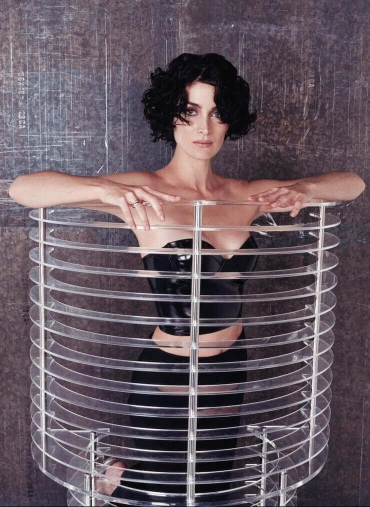 Carrie-Anne Moss sexy pics