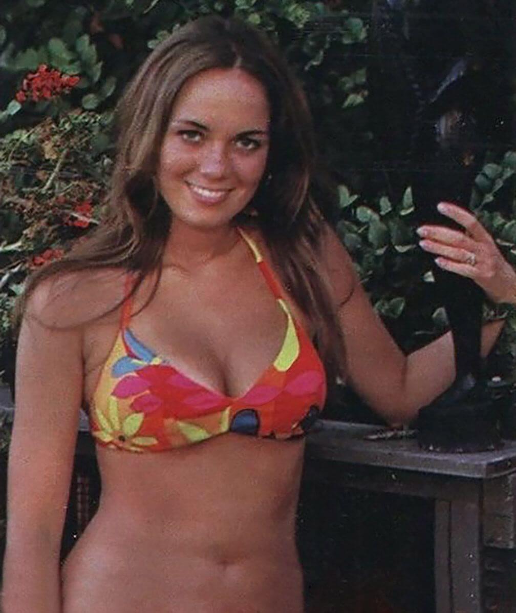 Catherine Bach hot bikini pic