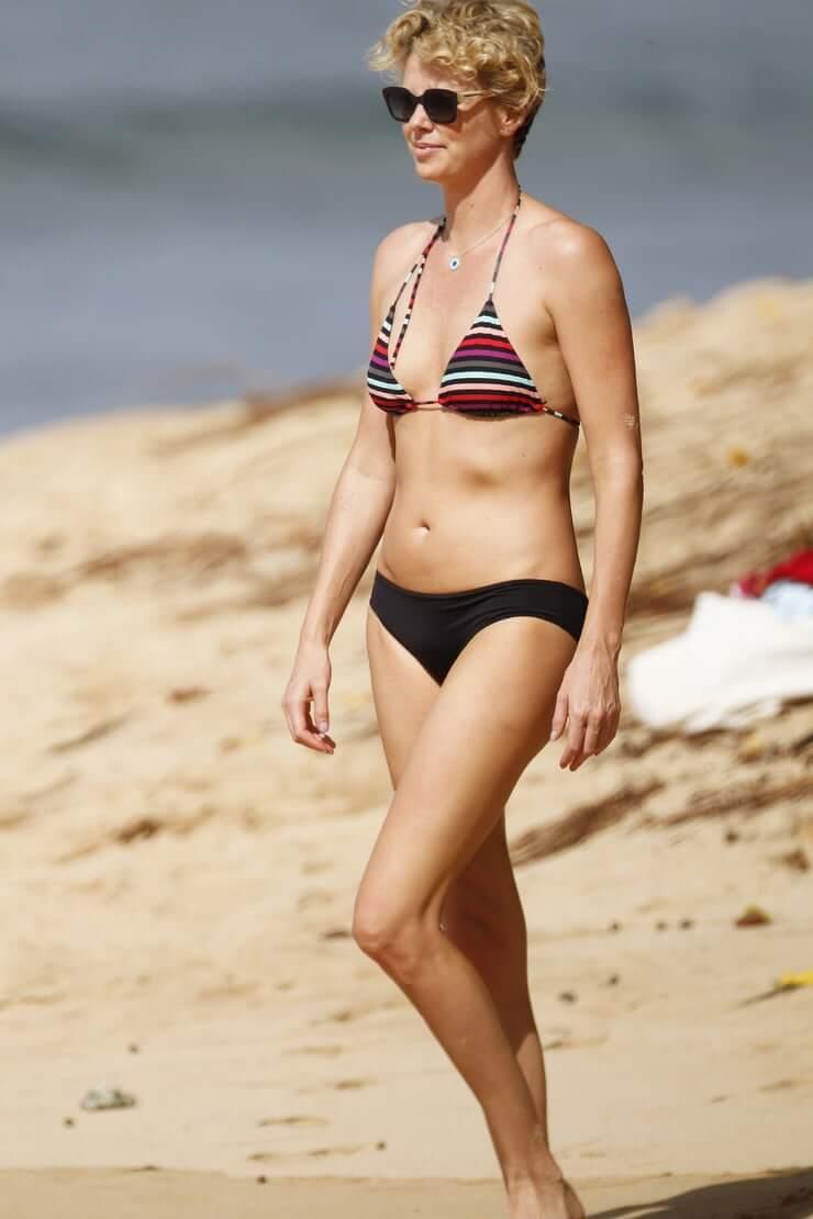 Charlize Theron hot bikini pics