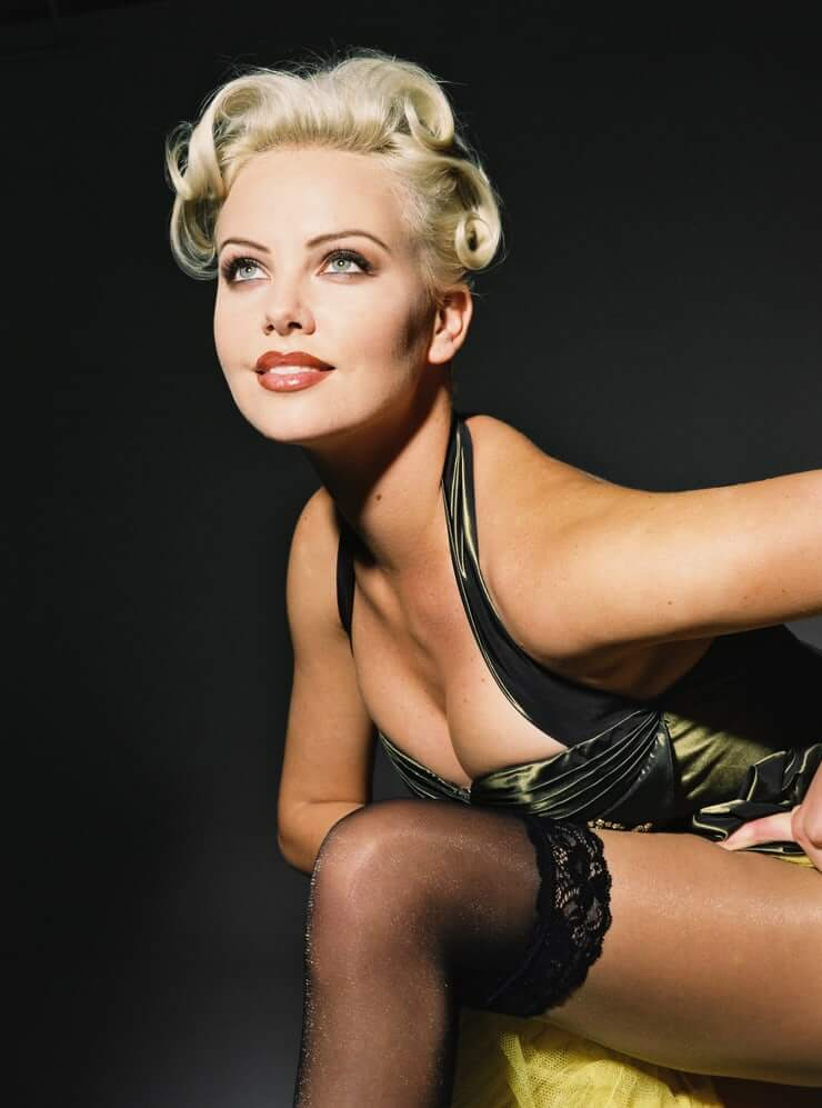 Charlize Theron hot side pics