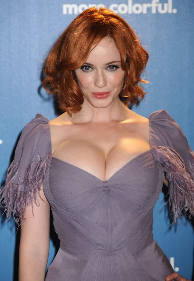 Christina Hendricks sexy boobs (2)