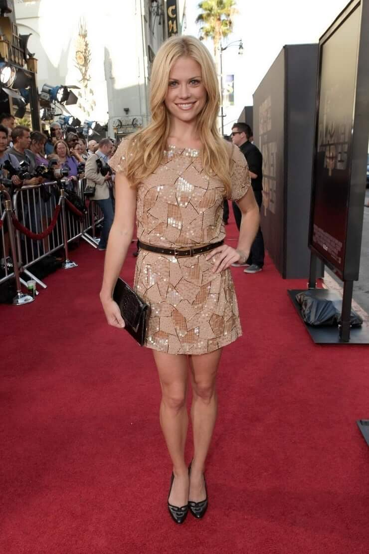 Claire Coffee legs hot