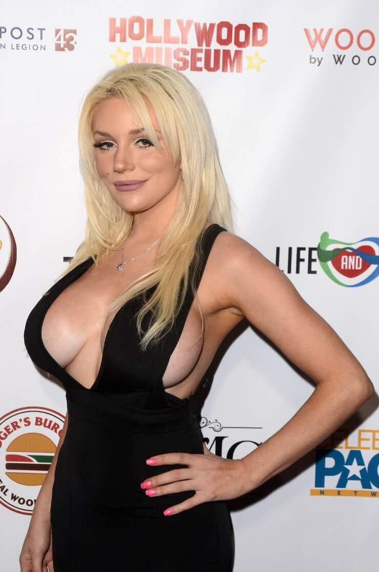 Courtney Stodden awesome