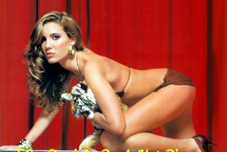 Daniela Ruah booty (1)