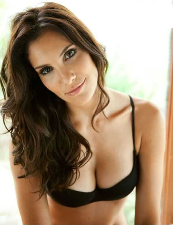 Daniela Ruah sexy pictures