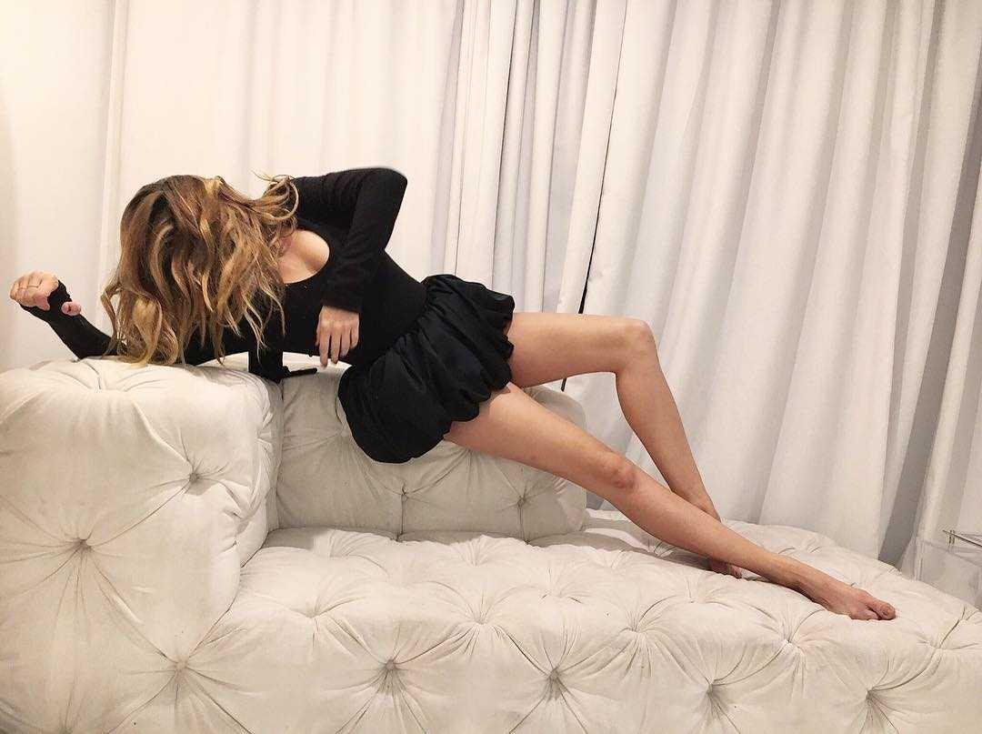 Debby Ryan hot thighs