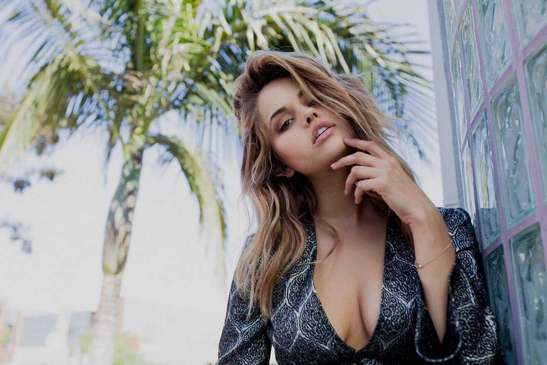 Debby Ryan side boobs