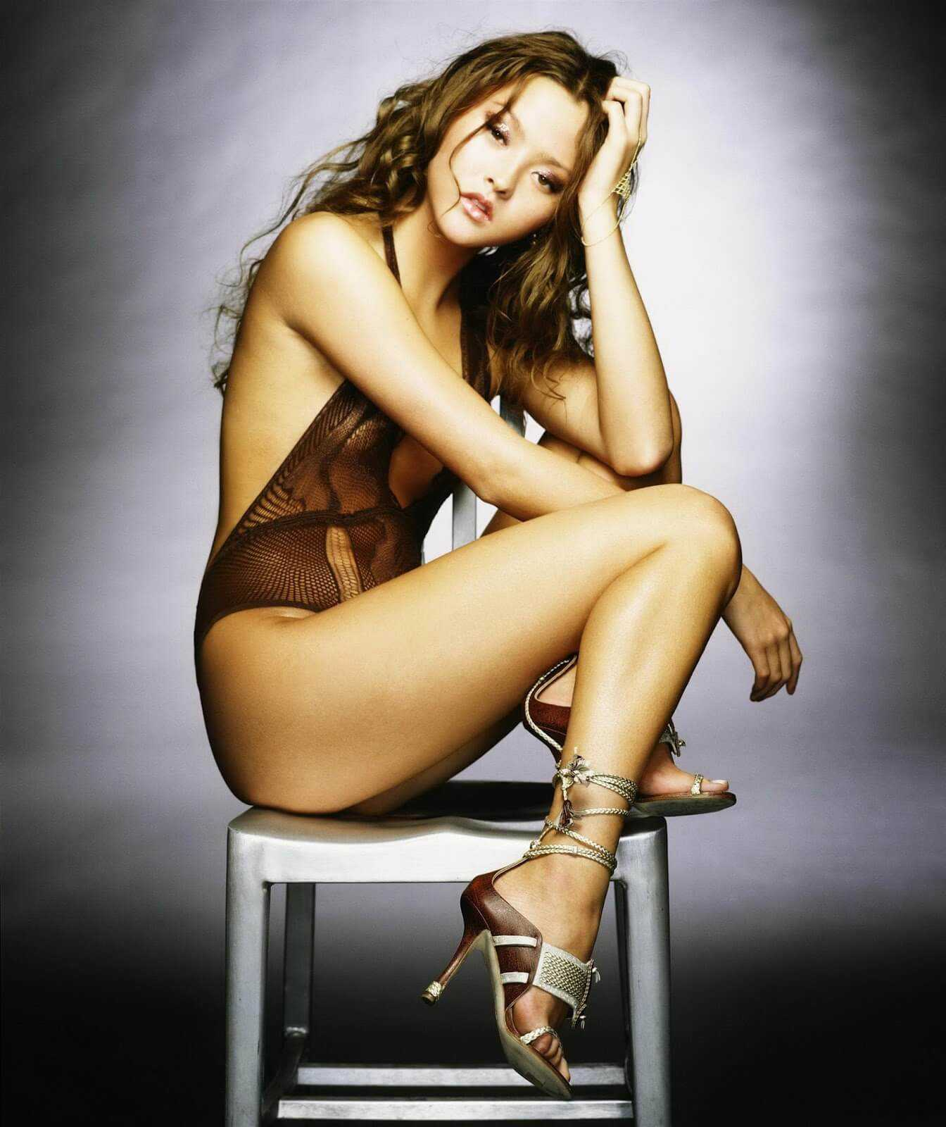 Devon-Aoki-swimsuit-sexy