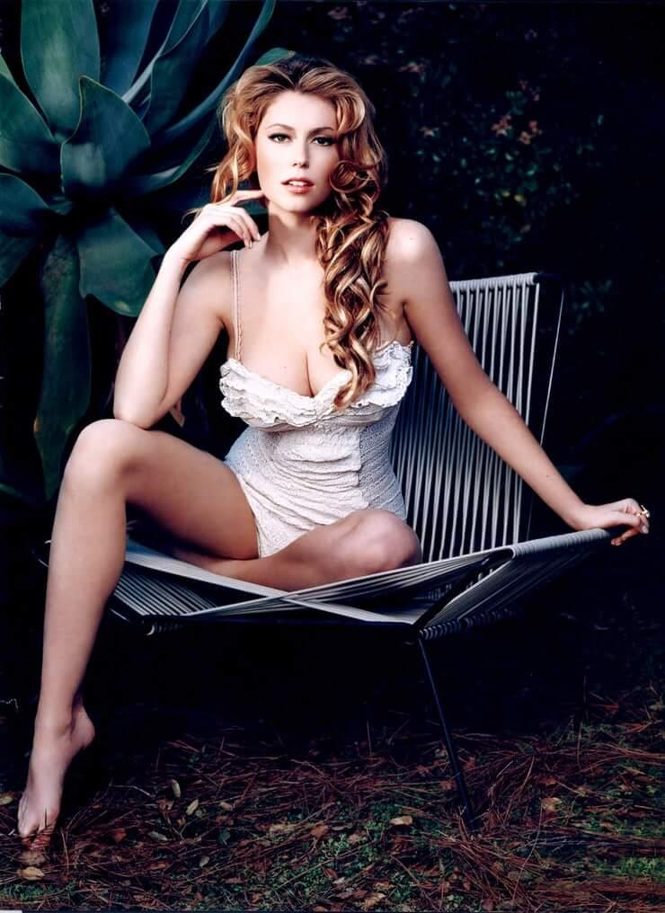 Diora Baird sexy
