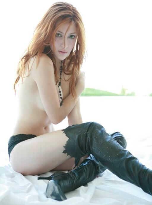 Elena Satine topless pic