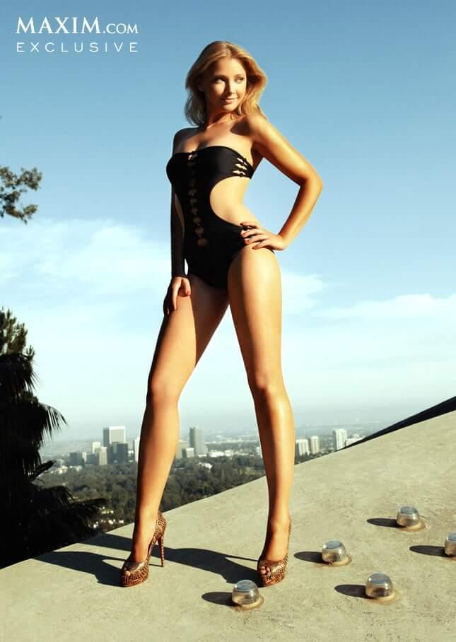 Elisabeth Harnois sexy legs