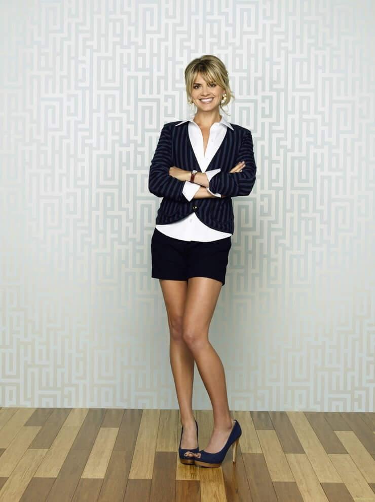 Eliza Coupe hot legs pics