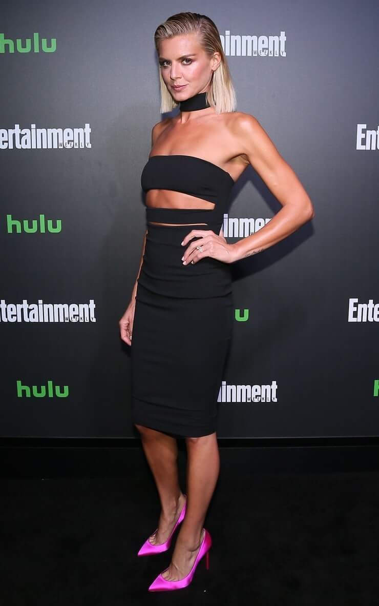 Eliza Coupe sexy pictures