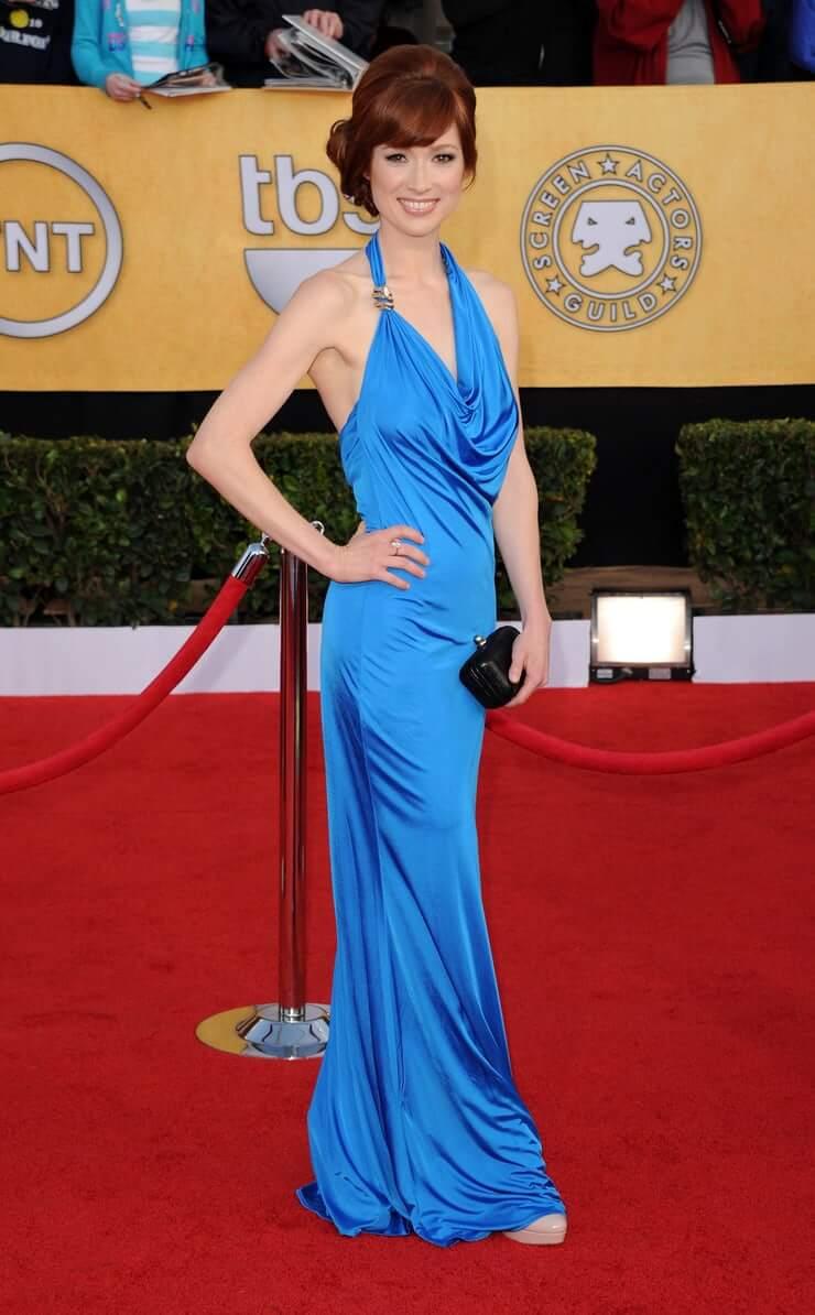 Ellie Kemper hot dress
