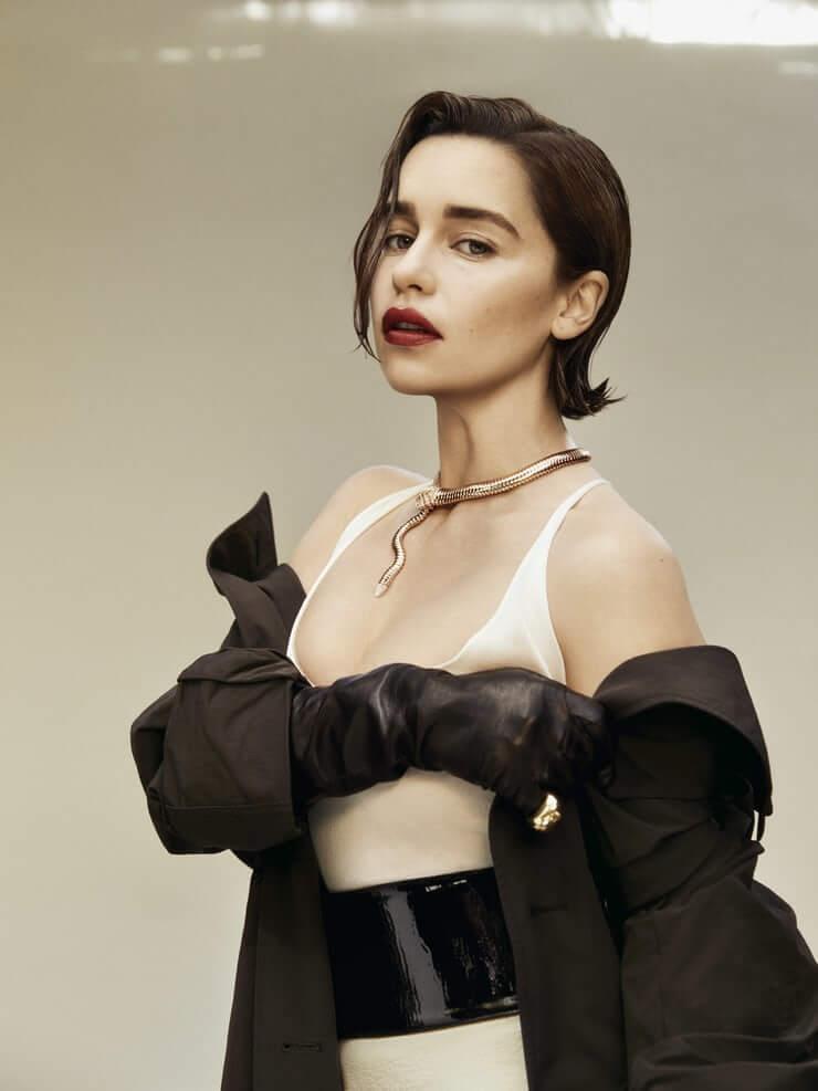 Emilia Clarke sexy bikini pic