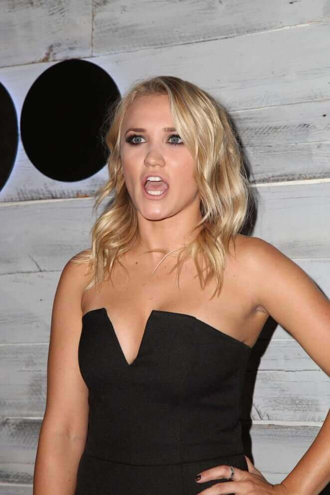 Emily Osment hot pictures