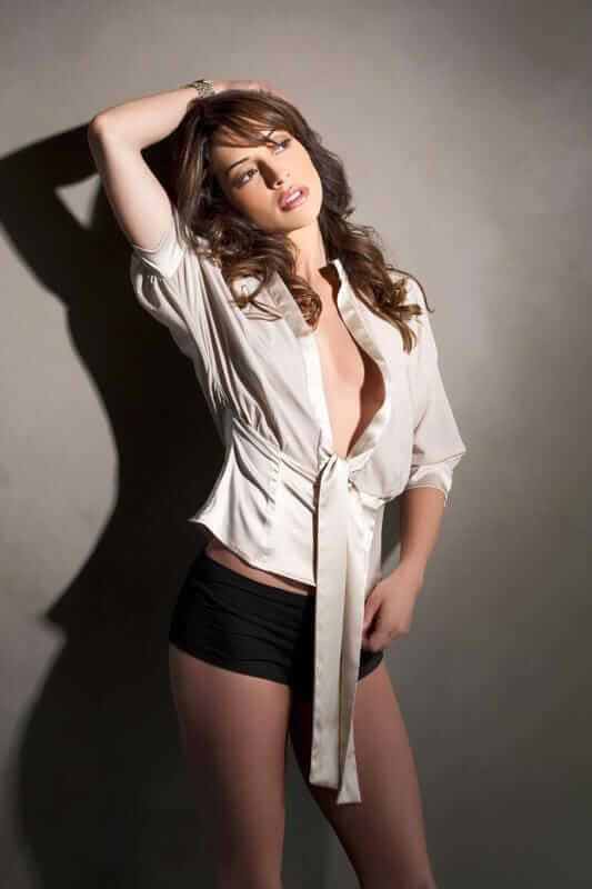 Emmanuelle Vaugier sexy cleavage (2)