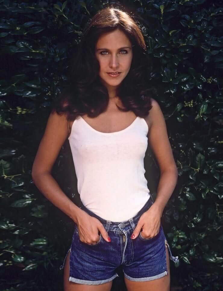 Erin Gray hot cleavage