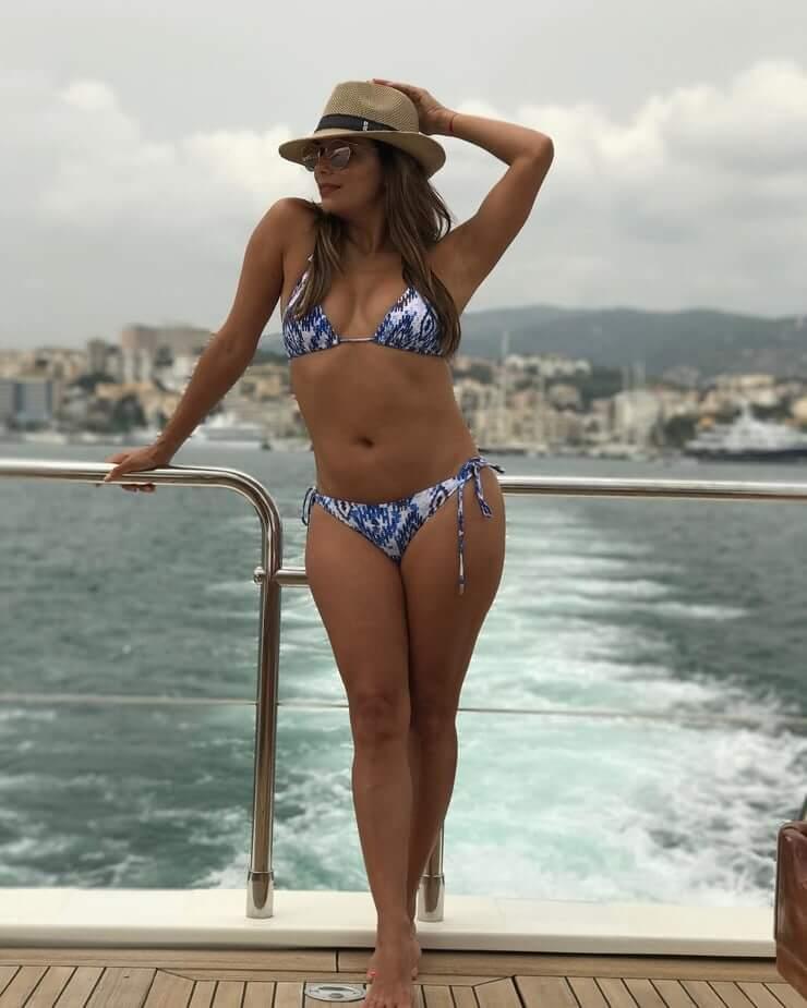 Eva Longoria sexy bikini pics