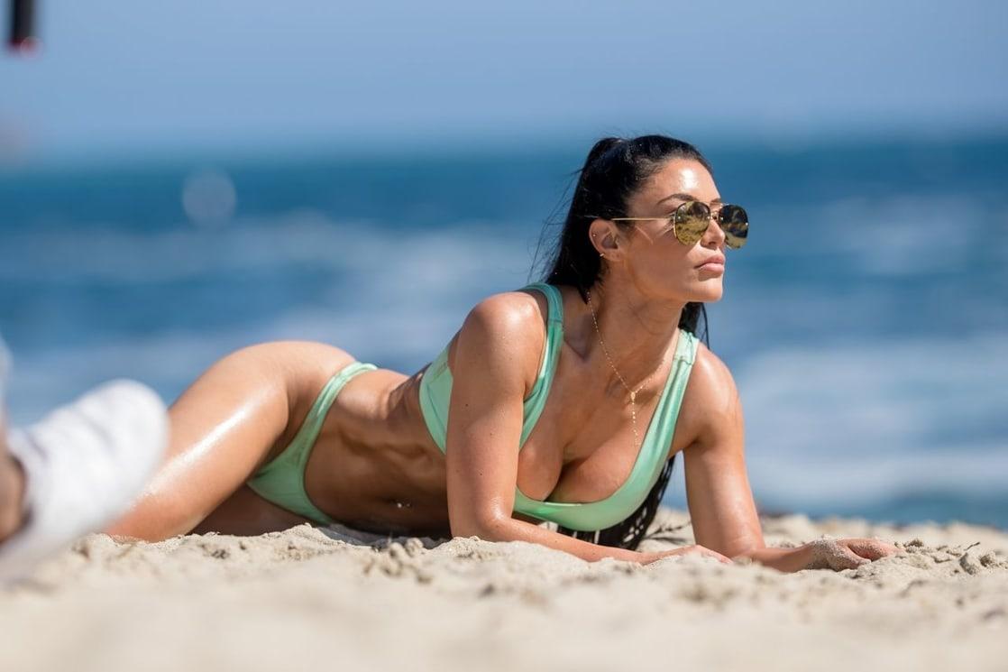 Eva Marie hot cleavage pics