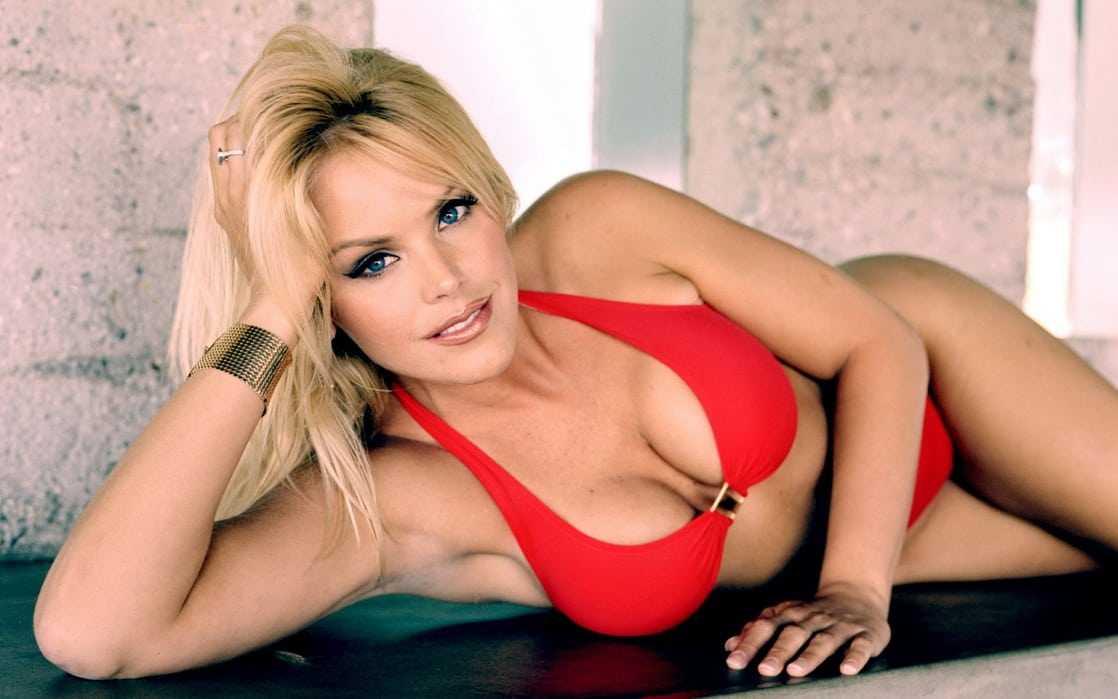 Gena Lee Nolin sexy