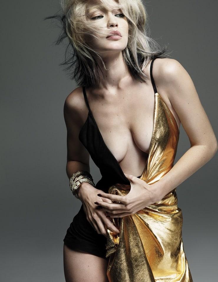 Gigi Hadid cleavage hot