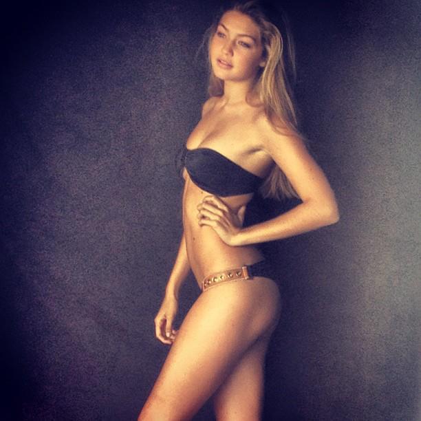 Gigi Hadid sexy booty pics